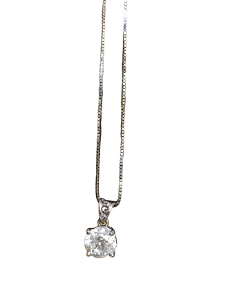 For  Sale: 1.25 Carats White Gold Necklace