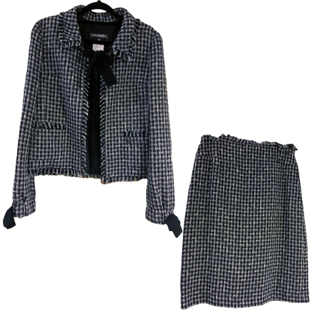 Re-sell: Classic Black White Tweed Skirt Suit with Bow Size 8