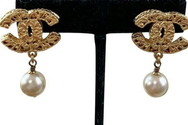 Re-sell: CC Logo Pearl Gold Drop Clip On Earrings