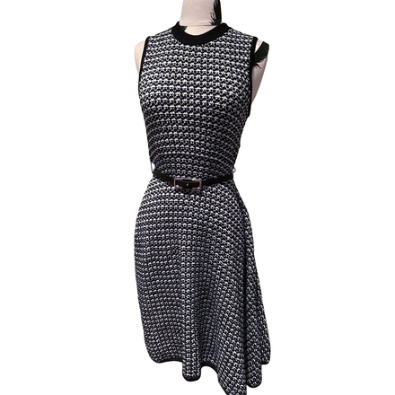 Re-sell: Dress Size 6-8 BNWT