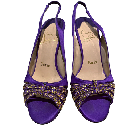 Re-sell: Heels Size 6