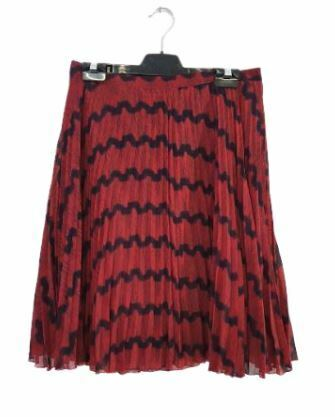 Re-sell: Red and black skirt Size 6-8