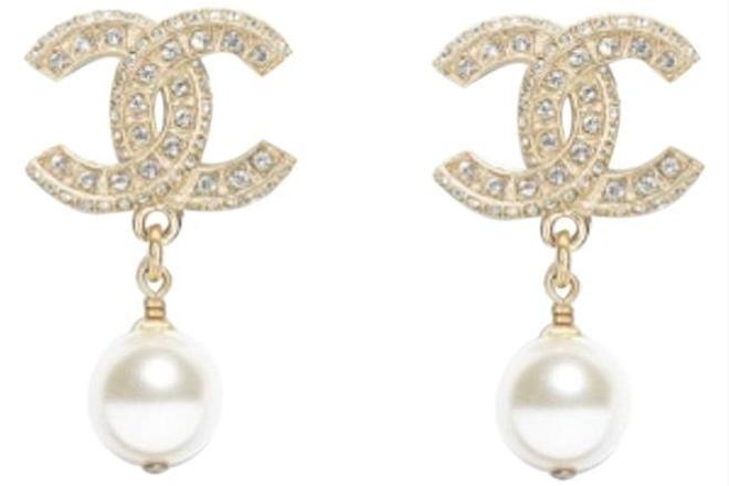 For  Sale: Gold Classic Pearly White Crystal Earrings