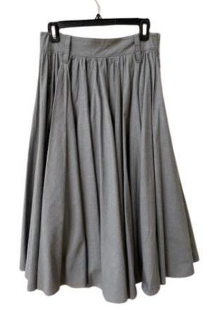 Re-sell: Grey pleated flair skirt Size 8-10