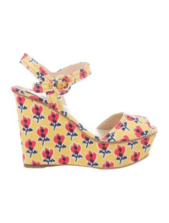 Re-sell: Floral Platform Sandals Size 8