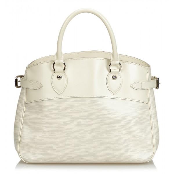 Buy: White Passy handbag